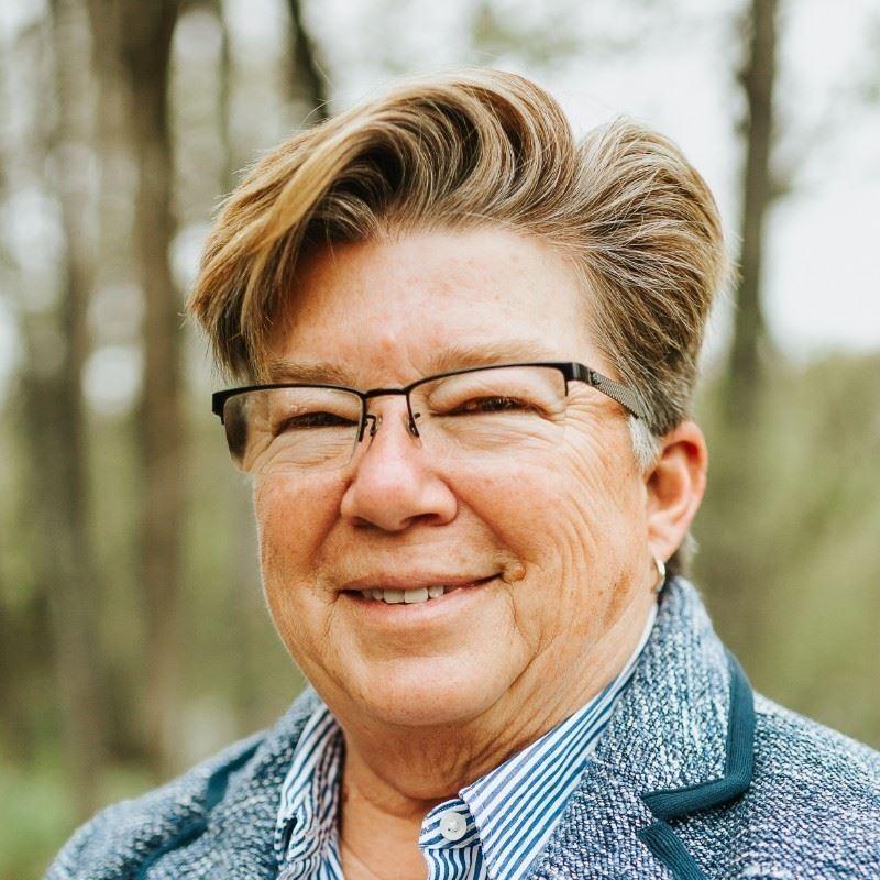 Headshot of Terri Tidwell